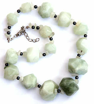 NEW JADE NECKLACE
